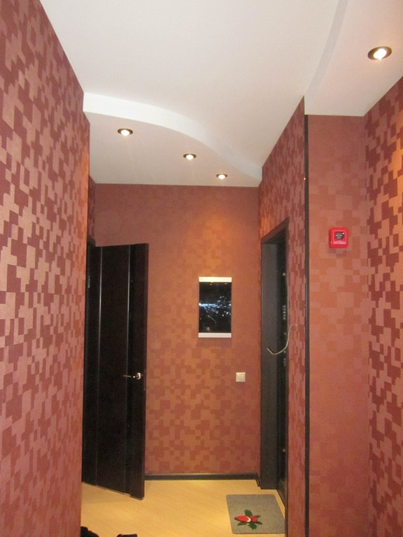 Как сделать ремонт недорого в коридоре